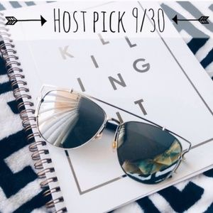 Karis' Kloset Accessories - Accessories | Oversized Silver mirror sunnies